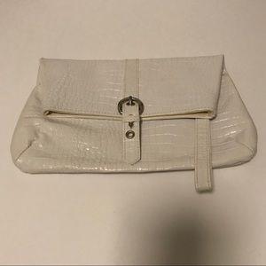 Handbags - Classy White Clutch